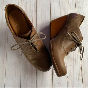 """Kork Ease """"Meteora"""" wedge lace up Oxford"""